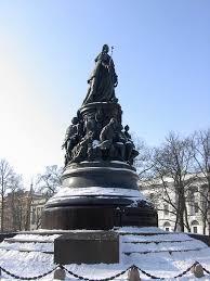 Памятник Екатерине ii Памятник Екатерине Второй на Невском  Памятник Екатерине Второй на Невском проспекте в Санкт Петербурге