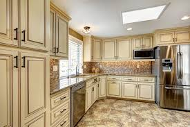 cream kitchen cabinets wall color