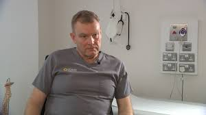 England rugby's former team doctor admits he made mistakes in missing concussions and says the sport must now make significant changes to protect players. Former England Rugby Doctor Admits Mistakes As He Calls For Greater Protection Itv News