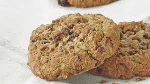 panera bread gluten conscious monster cookie with nuts 370 calories