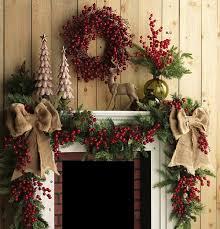 10-Fabulous Farmhouse-Style Christmas Mantels