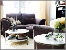 beautifull utilize what you got with these 20 small living room decorating what goes on top