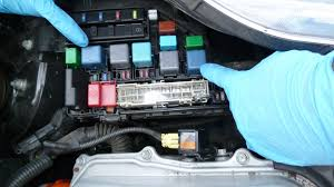 how to replace front brake pads and discs (rotors) prius gen 2 2007 toyota prius fuse box at 2006 Prius Fuse Box