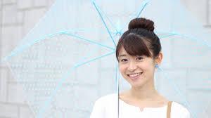 画像あり雨の日のミディアムの髪型のヘアアレンジならこの10の方法が