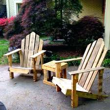 things made with pallets making things with pallets patio seating chairs  and side table made from