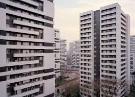 laurent kronental shows paris forgotten housing estates souvenir d un futur photography series by laurent kronental