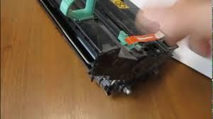 Очистка бункера в Kyocera от отработанного <b>тонера</b> - YouTube