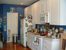 how on earth does this person function in their kitchen there is absolutely no work space