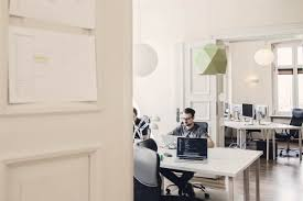 software company office. How Startups Are Made Easy By Software Development Company | Blog Brainhub.eu Office