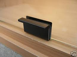 2 x vivarium terrarium metal door handles finger pulls cabinet fits 4 6mm glass