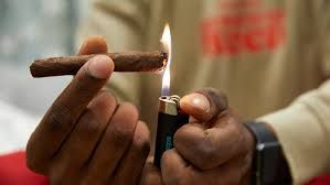 Lighting A Blunt The Best Blunt Wraps For Every Stoner