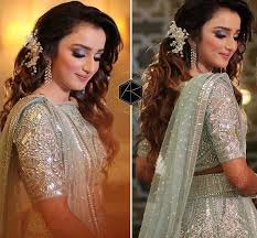 A heavy chabi chhalla with a long & wide hook if inserted at the edge of the pleats of the saree, will reduce this problem as it's hook will activate the acupressure points that act to keep the throat clear. Wedding Reception Hairstyles Trending In Indian Weddings Wedmegood