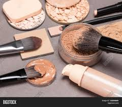 brushes their uses basic makeup s to create the perfect plexion liquid foundation diffe types of powder