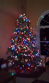 Christmas Tree With White And Multicolor Lights Christmas Tree Decorations With Multicolor Lights