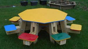 8 seater round wooden picnic table ideas