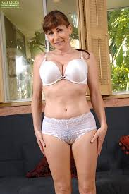 Mature panty hotties galleries