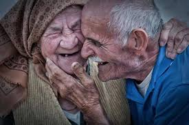 40 Elderly Couples Prove That You Are Never Too Old To Be Romantic Best Malayalam Love Quotes For Old Couples