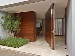 Um dos tipos de portas de entrada mais modernas que existem são as pivotante. O Que E Porta Pivotante E Como Utiliza La Homify