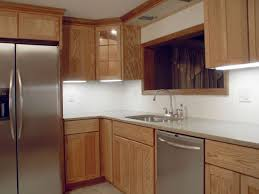refacing vs replacing kitchen cabinets