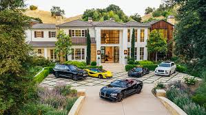 Inside The <b>Weeknd's</b> $25 Million LA Mansion and Its Neon-Lit Car ...