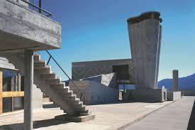Longchamp A La Cité Radieuse De Le Corbusier à Marseille La Cité