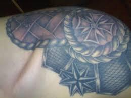 наколка погон на плече значение тюремные татуировки в неволе на