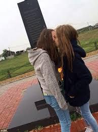 Lesbian pic teen thumb