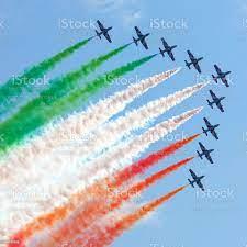 Frecce Tricolori Italienischen Fliegenteam In Action Stockfoto und mehr  Bilder von Frecce Tricolori - iStock