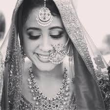 12 best indian bridal makeup artists you should hire to look best on your wedding day augrav personalized platinum gold diamond jewellery
