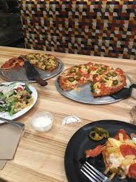 round table pizza 16122 goldenwest st huntington beach ca pizza mapquest