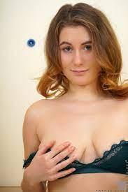 Amanda Bell In Busty Brunette Loves Her New Dildo Nubiles Pure Nude Girls
