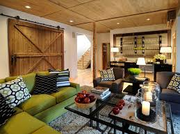Ways In Which You Can Creatively Incorporate Barn Doors Into Your Home Décor Idea