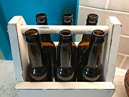picture of vintage style wooden diy beer caddy