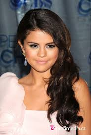 Selena Gomez Hair Style 10 best selena gomez hairstyles images celebrity 8685 by wearticles.com