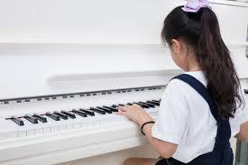 ピアノの発表会におすすめの髪型子供の簡単くるりんぱのやり方