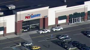 Petsmart Bather Police Groomer Attacked By Dog At Petsmart Store Abc7chicago Com