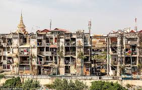 """Résultat de recherche d'images pour """"white building phnom penh"""""""
