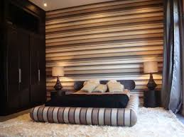 Marvelous Brown Striped Accent Wall In Modern Bedroom.