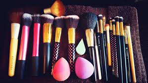 how to clean makeup brushes sponges using cinema secrets brush cleanser