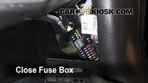 interior fuse box location 2003 2016 lincoln navigator 2011 2005 navigator fuse box diagram at 2003 Navigator Fuse Box