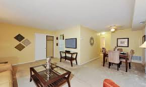 ... Spacious Living Room At Towson Crossing Apartment Homes In Baltimore,  MD ...