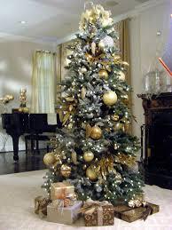 Designer Christmas Tree Ribbon Create A Designer Christmas Tree Hgtv