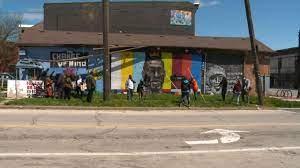 Lightning destroys George Floyd mural ...