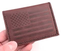 as mentioned above this wallet has a fairly slim footprint which helps keep its overall size down