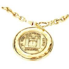 1980s vintage chanel big medallion pendant necklace rare gold for
