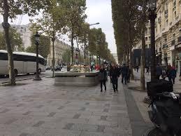 "Priyanka Vasudevan on Twitter: ""Champs Élysées: so many cars, yet so  walkable! #SaferCities #Paris… """