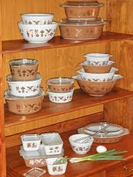 3 reasons i love and collect vine pyrex pyrex pleres