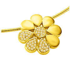 flower shining with diamond 0 30ct luxurious diamond flower 18kt yellow gold pendants