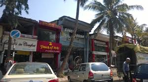 person dining room table foter: dining table shops in mumbai vidrian