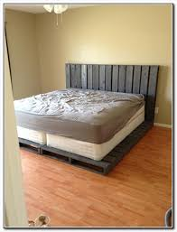 bed frame made of wood pallets
